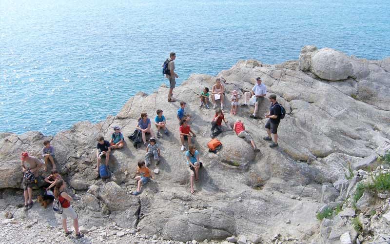 Lulworth Cove - Fossil Hunt