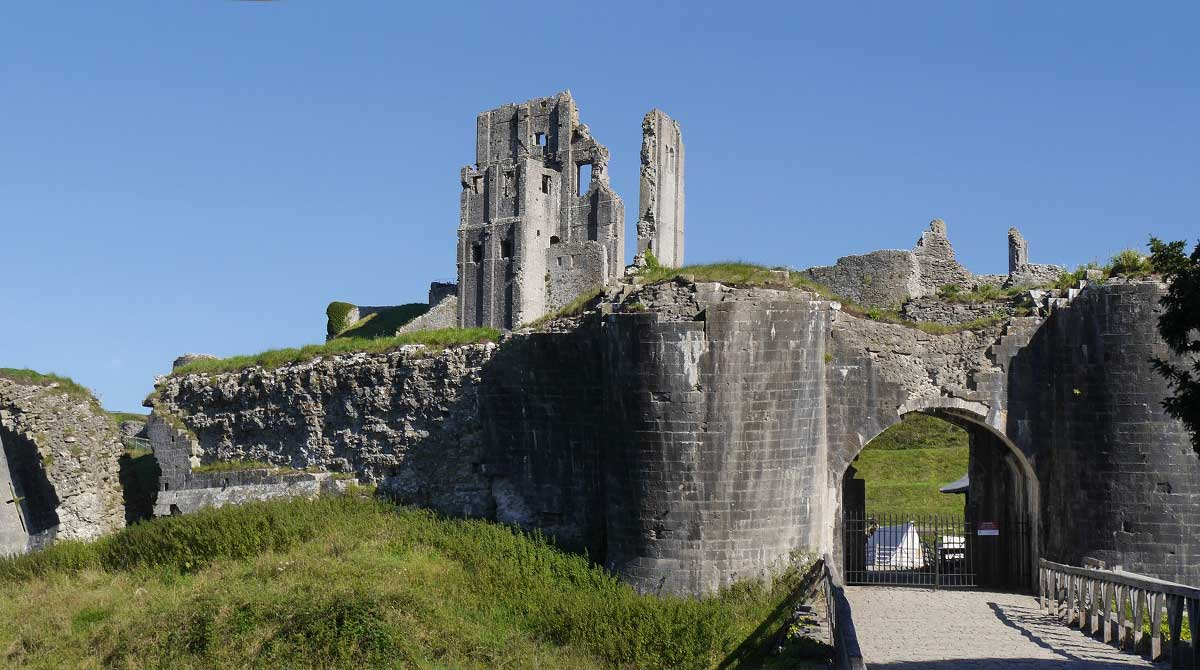Corfe Castle - History walk and talk tours